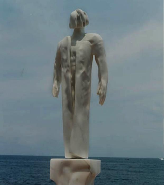 2001 - Marmo Bianco di Carrara - Forio - Coll. Giovanangelo de Angelis - 115x43cm