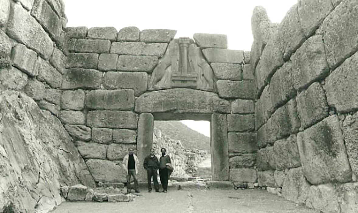 De Angelis con lo scultore Giuliano Vangi e il pittore Oscar Piattella